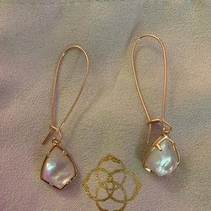 Kendra scott rose gold earring
